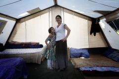 Camp de « deplaces » Rroms a Saint-Denis (93) . Installe par medecin du Monde il abrite 116 personnes, dont 41 enfants, 6 nourrissons et 5 femmes enceintes. (29/05/09)