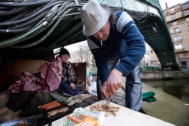 SDF, Cornel et Rosita couple de sdf vivant dans les rues de Paris.