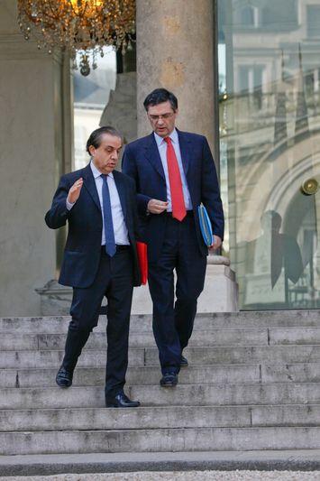 Patrick DEVEDJIAN, ministre en charge de la Mise en oeuvre du plan de relance, et Roger KAROUTCHI, secretaire d Etat charge des Relations avec le Parlement Credit Norsic/face to face