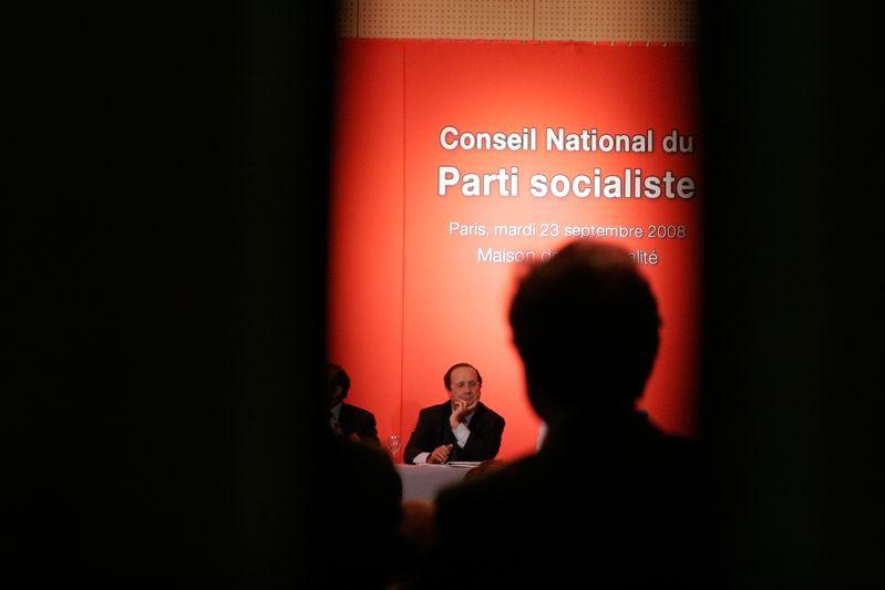 Paris (75) :  François Hollande au Conseil national de synthèse du Parti socialiste à la maison de la Mutualité (23/09/08)