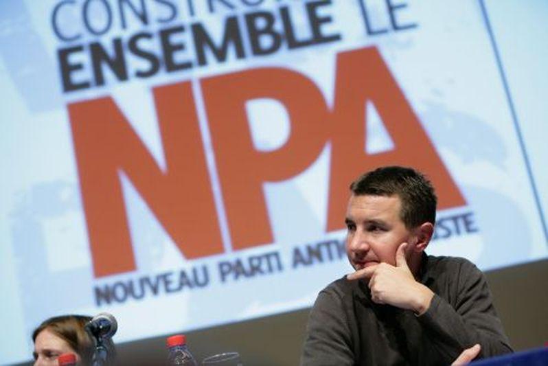 Paris (75) : Meeting, « Aux riches de payer leur crise », avec Olivier Besancenot, salle de la Mutualité, Paris 5ème.(07/11/08)